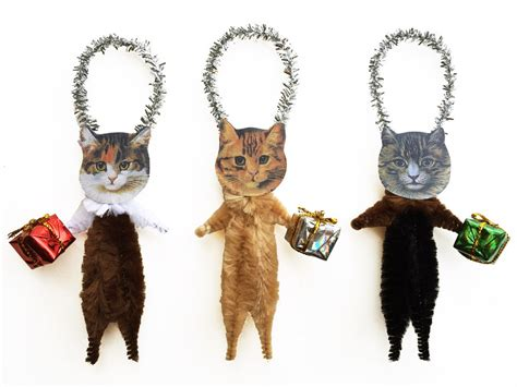 christmas cat ornaments holding gifts purrfect pet lover