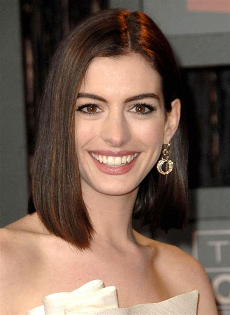Anne hathaway short hair and new spring look david s. Anne Hathaway Haircut - 35 Anne Hathaway's Stylish Hair ...