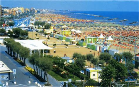 La Spiaggia Vista Dall' Alto  Foto Di Rivabella, Rimini