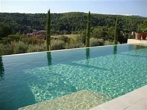 Piscine A Débordement : design des piscines les nouvelles tendances ~ Farleysfitness.com Idées de Décoration