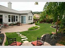 Beautiful Gardening Front Yard Views With Green Grass And