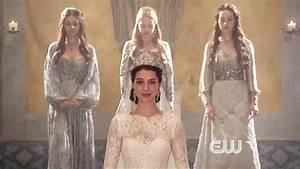 Top 5 Reasons Why We're Obsessed with the CW's Reign ...