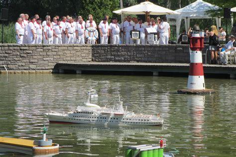 Britzer Garten Festplatz Bühne by Bilder Und Vom Shanty Chor Berlin E V