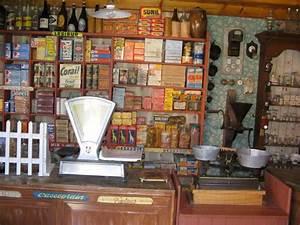 La Petite épicerie Paris : epicerie ancienne devanture bulent ~ Melissatoandfro.com Idées de Décoration