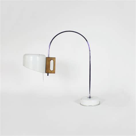 lampara de mesa fase modelo sauce anos  tiempos modernos