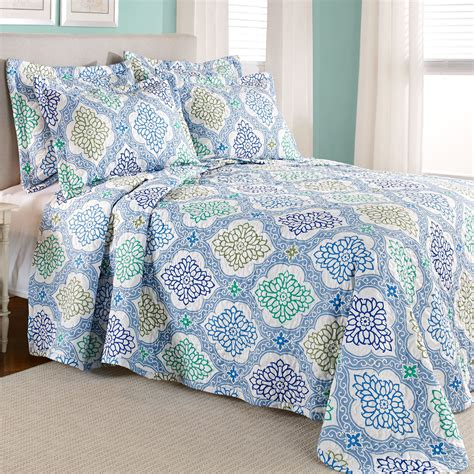 Blue Quilted Bedspread by Blue Quilted Bedspread Bedding