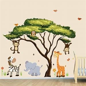 Wandtattoo Kinderzimmer Dschungel : wandsticker kinderzimmer farbe und freude an der kinderzimmerwand ~ Orissabook.com Haus und Dekorationen