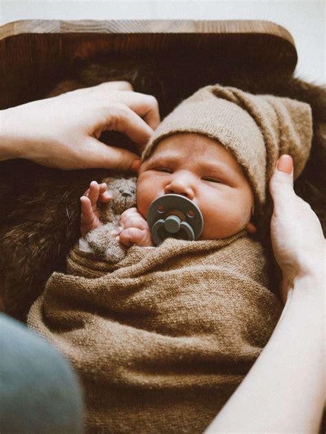 Liela ģimene - jaundzimušā fotosesija.