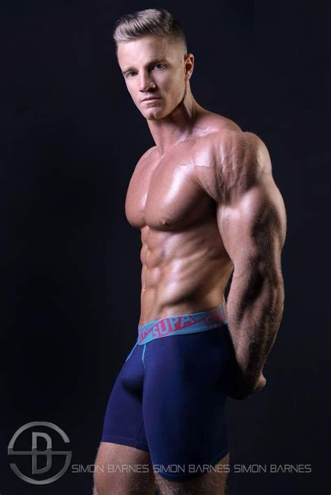 alex davies shredded male aesthetic physiques