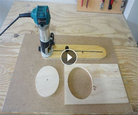Incredible Woodworking » Adjustable Circle Cutting Jig For