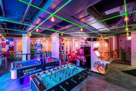 level  clarke quays newest arcade    bar