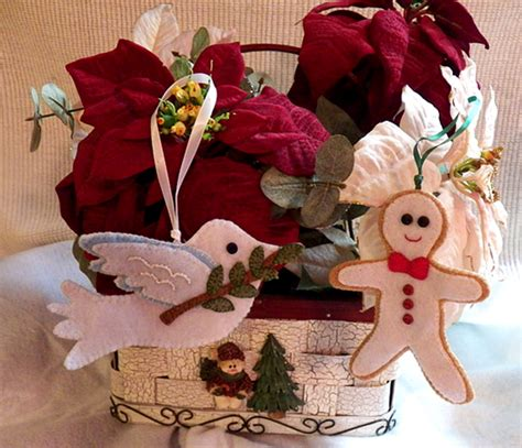 vintage frosted gingerbread embroidered felt cookie christmas ornaments art threads 2012 felt ornaments part 2