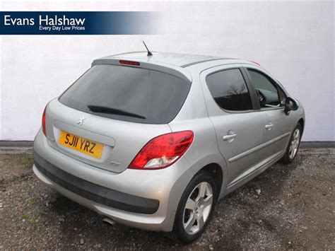 peugeot approved cars used peugeot 207 1 6 vti sport 120 5dr auto for sale