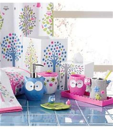 Owl Bathroom Decor Set by 1000 Ideas About Bathrooms On