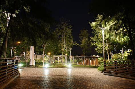 filetung chung north park tai chi garden  night hong