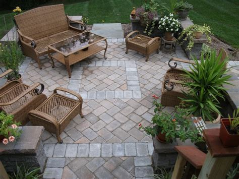 patio furniture arrangement for the home