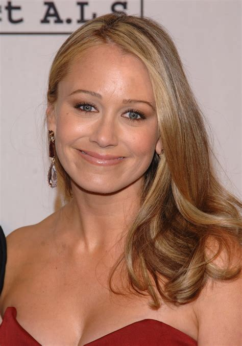 cleavages   world christine taylor cleavage