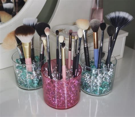 Easy Diy Makeup Brush Holders Using Old Candle Jars