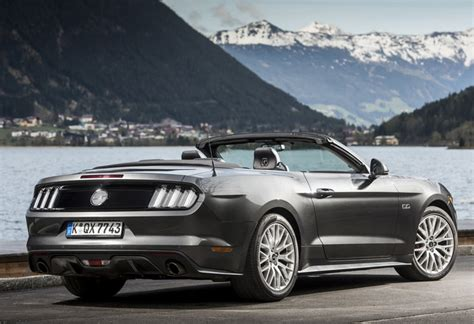 ford mustang cabrio 2017 ford mustang cabrio 2 3i ecoboost 2017 technische gegevens autogids