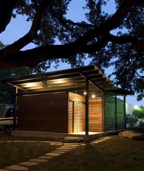 abri de jardin design abri de voiture en bois 18 id 233 es diy pour abriter v 233 hicule