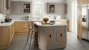 Shaker Kitchens, Traditional or Modern Kitchens