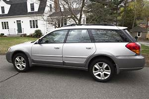 2005 Subaru Outback - Pictures
