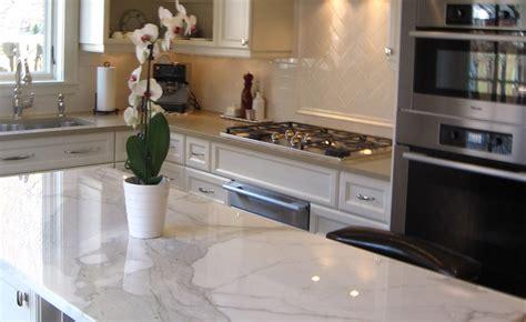 entretien marbre cuisine comment choisir le matériau du comptoir de cuisine bricobistro