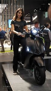 More EICMA 2015 Girls for a Nice Weekend - autoevolution