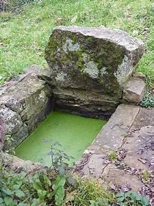 File027 Plougastel Fontaine Prs Ruisseau De Saint