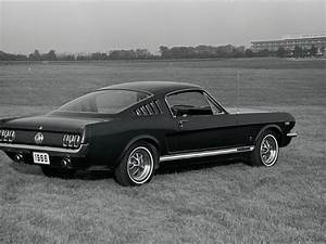 Long Hood, Short Rear: This Is How The Mustang Redefined Muscle Cars From the 1960s ~ vintage ...