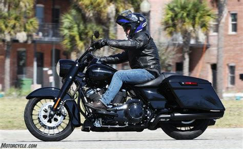 Review Harley Davidson Road King Special by 2017 Harley Davidson Road King Special Ride Review