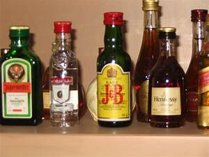 File:Alcoholic beverages.jpg - Wikipedia