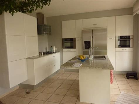 cuisine blanc brillant cuisine laque blanche u2026une cuisine en u0026
