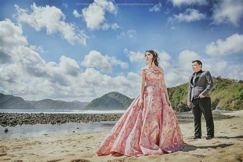 foto prewedding pantai casual romantis terbaru