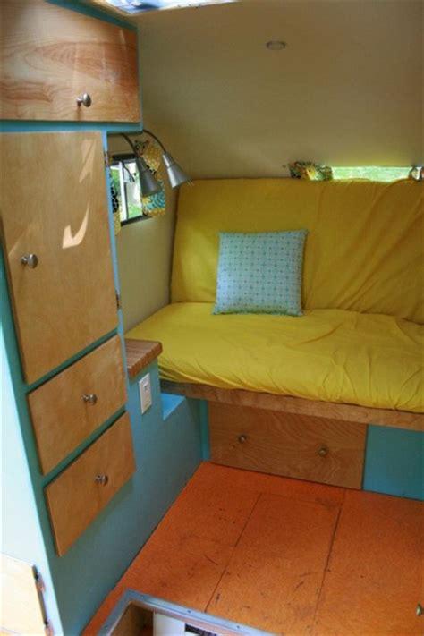 guy   girlfriend turn  camper  sweet tiny home