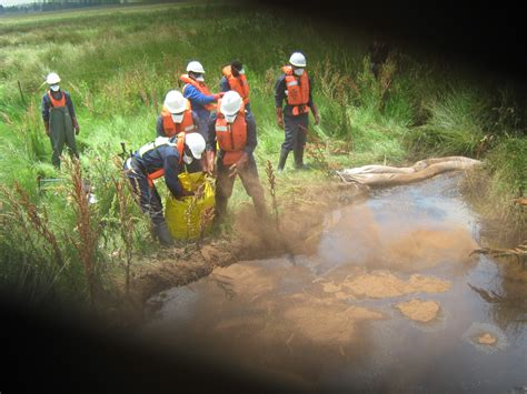 dam cleaning services rapid spill response specialised