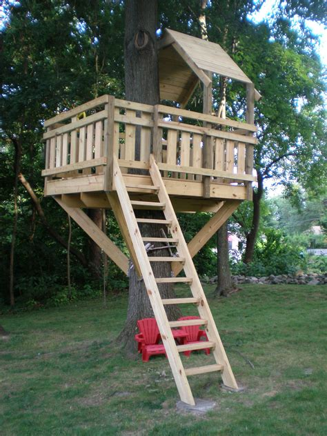 kids tree forts  pinterest kid tree houses backyard