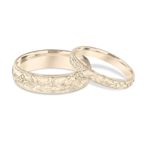 his hers wedding bands engraved wedding bands yellow gold matching rings