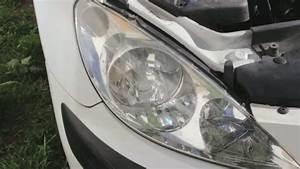 Comment Faire Enlever Une Voiture Sur Un Parking Privé : comment changer l 39 ampoule d 39 un feu avant de voiture auto moto velo quotidien pratique ~ Medecine-chirurgie-esthetiques.com Avis de Voitures