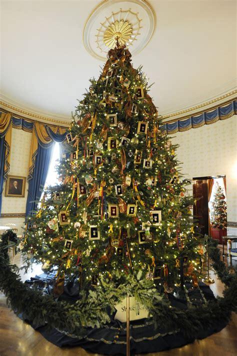 white house christmas tree   family trees