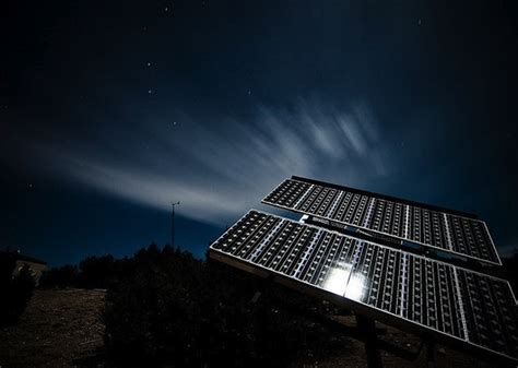 solar panels work  night synergy power