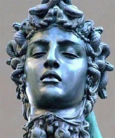 Medusa | Michelangelo sculpture, Greek mythology statue ...