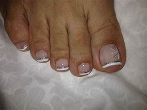 Sparkly french pedicure, minus the toe hairs!! Preside I ...