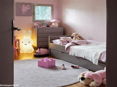chambre gris et violet modèle décoration chambre fille gris et violet