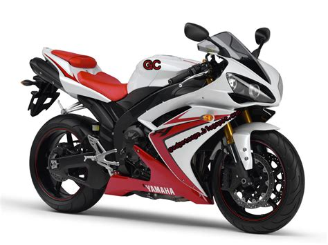 Review Yamaha R1 by Yamaha Yzf R1 Review Gadget Cage