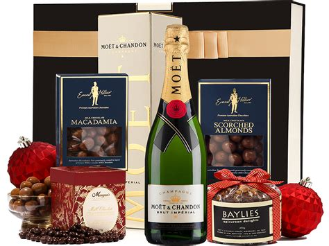 Champagne + Christmas Cake Gift Hamper With Festive Treats