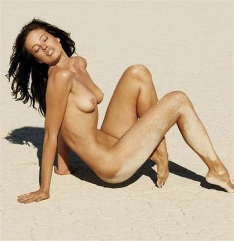 Stephanie Jacobsen  nackt