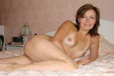 amateur milf nude in bed high definition porn pic amateur mature ho