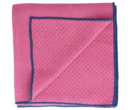 bolcom yoga handdoek met anti slip    cm roze