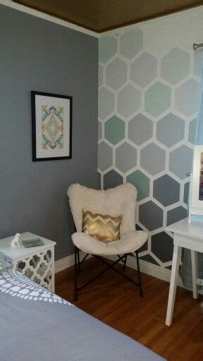choosing   accent wall paint color  important